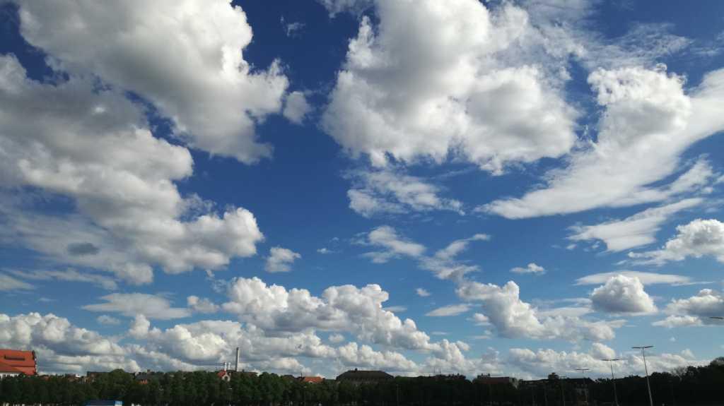 Die Wolken sind einfach schön heute |Johannes Ulrich Gehrke