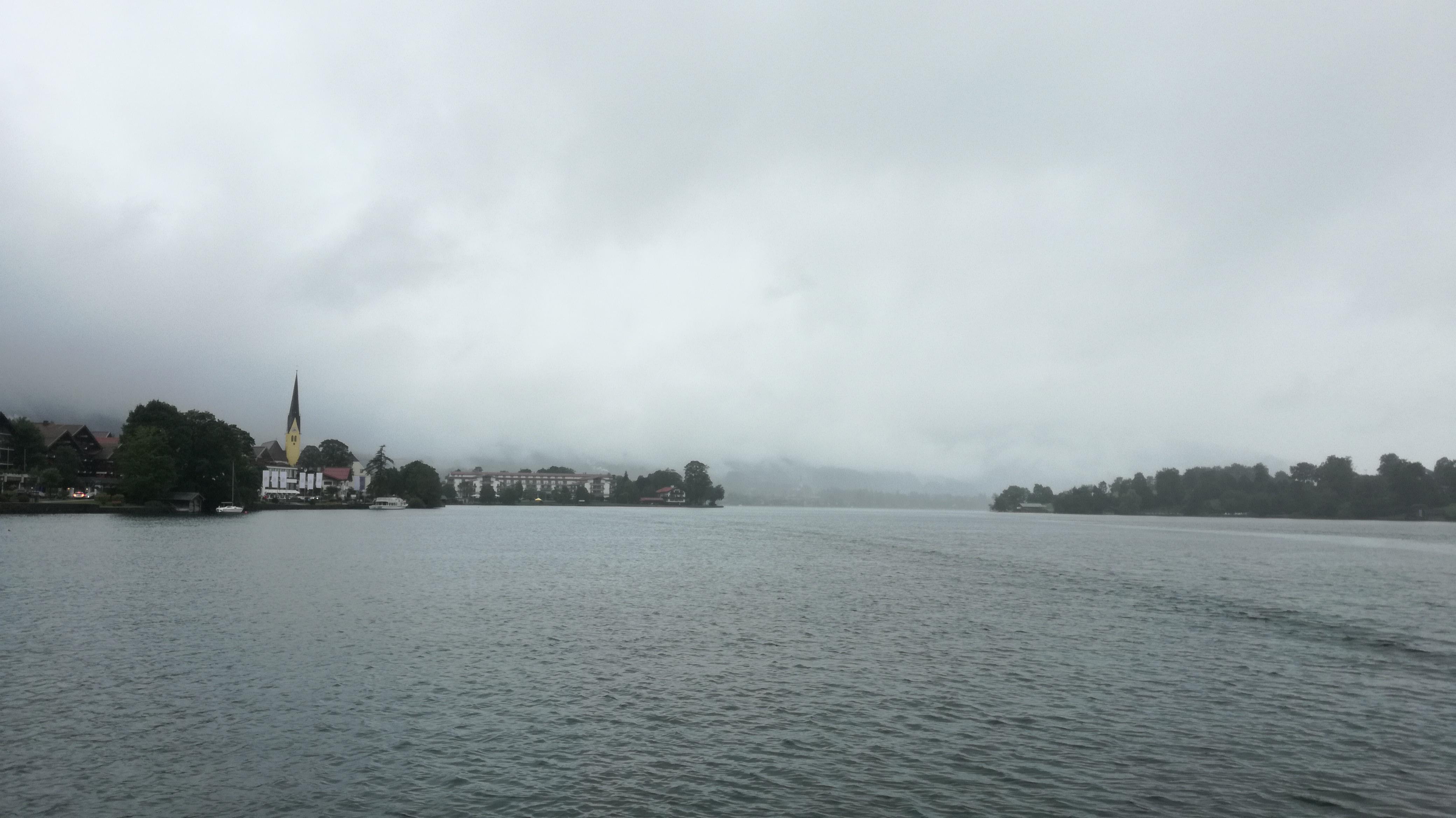 Blick über die lange Seite von Tegernsee Richtung Gmund |Johannes Ulrich Gehrke