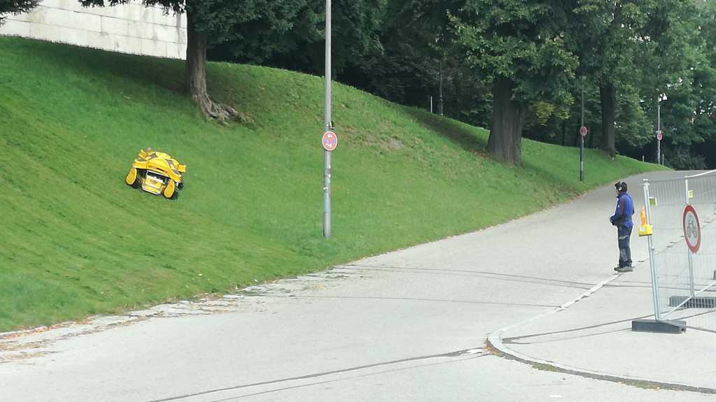 In München mäht man Matten mit Maschinen |Johannes Ulrich Gehrke
