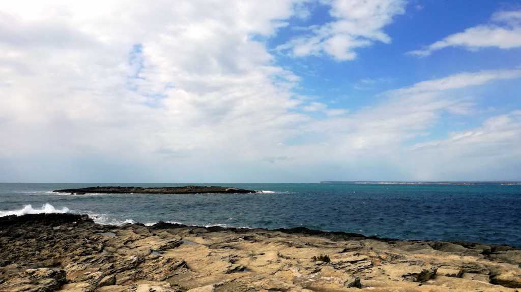 Steinküste von einme Ort den ich schon wieder vergessen haben |Johannes Ulrich Gehrke