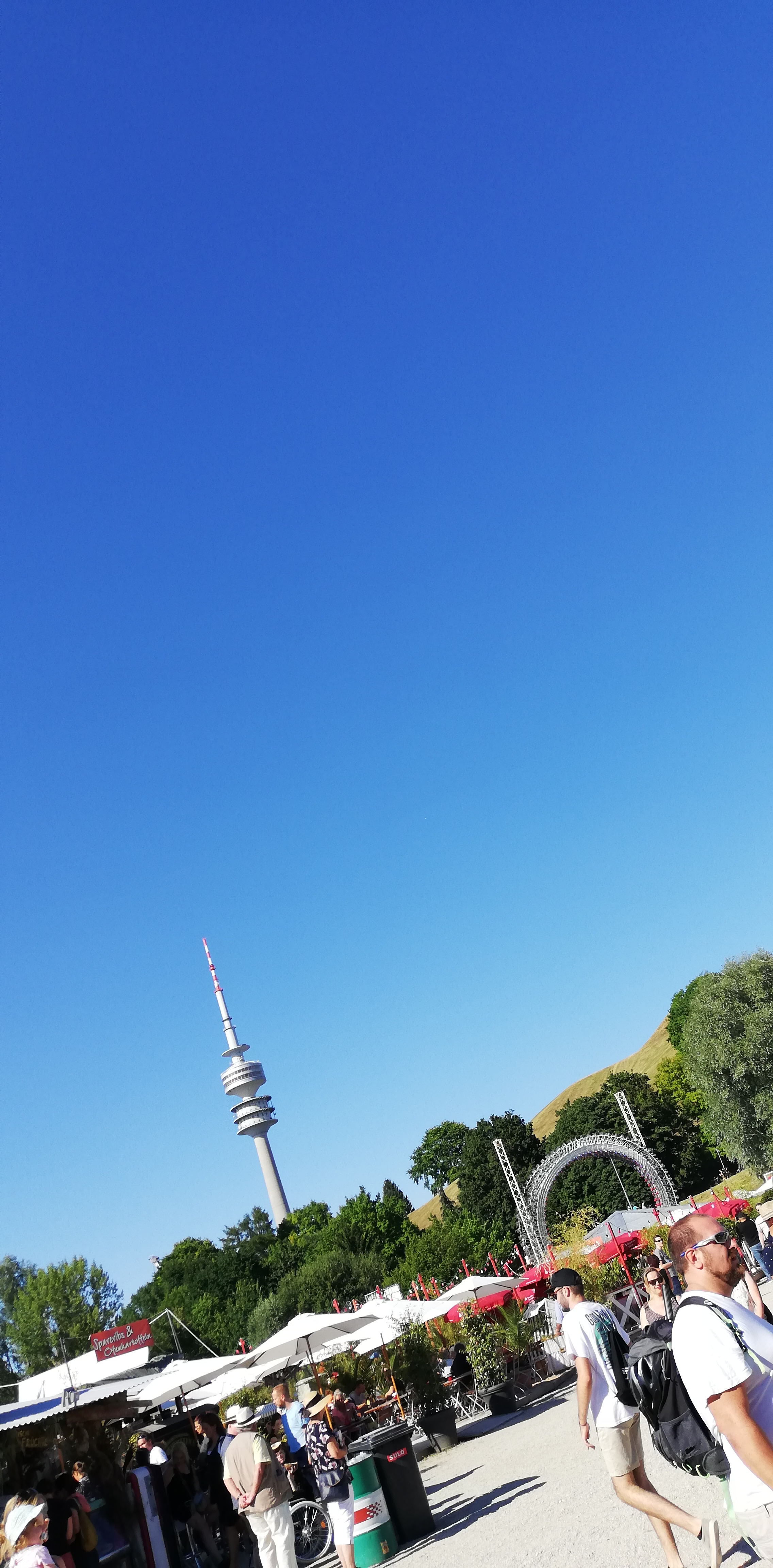 In der Ferne der Olympia Funkturm  Johannes Ulrich Gehrke