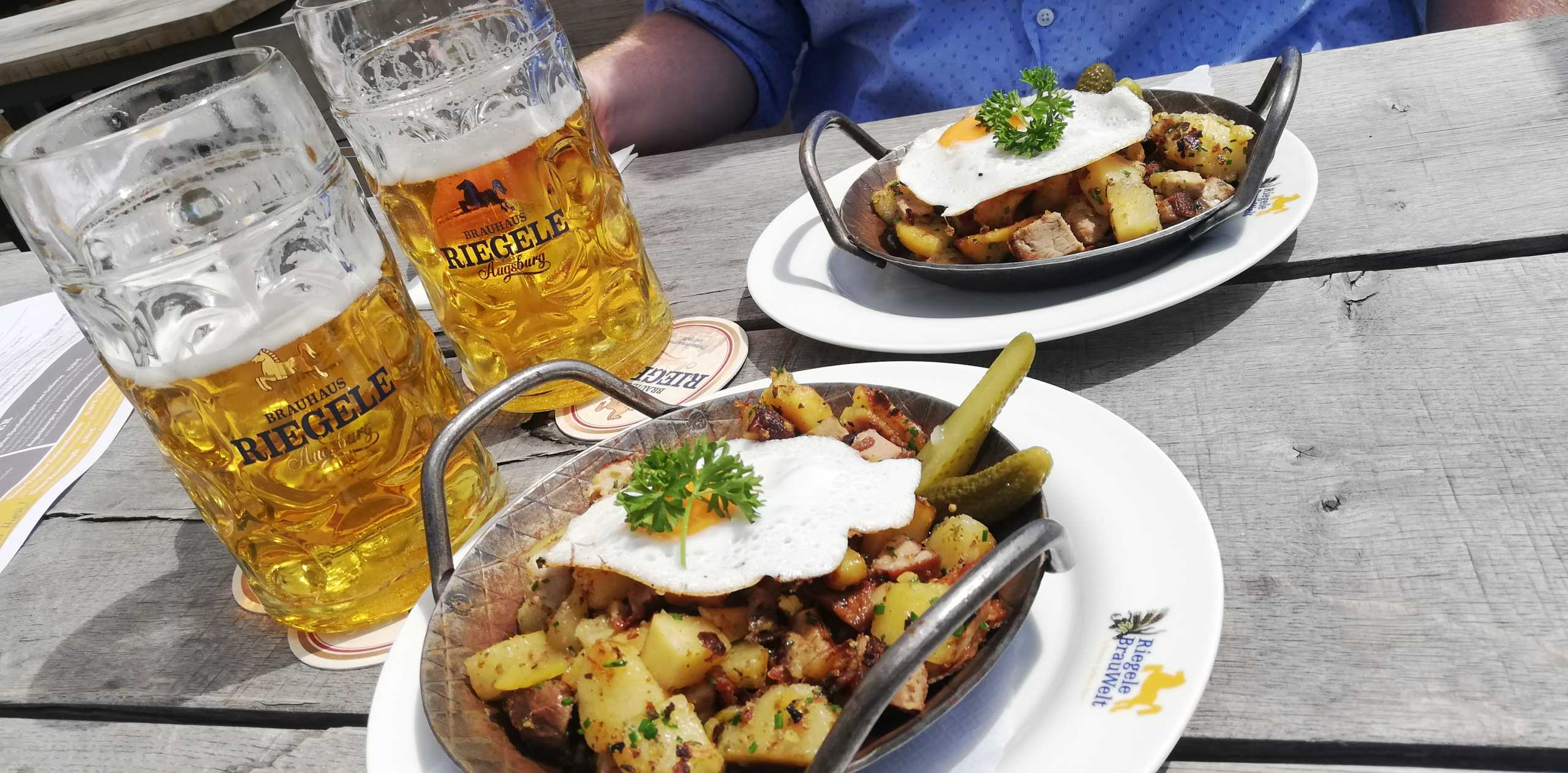 Bier und dazu Gröstl Pfanne mit Sonnenschein |Johannes Ulrich Gehrke
