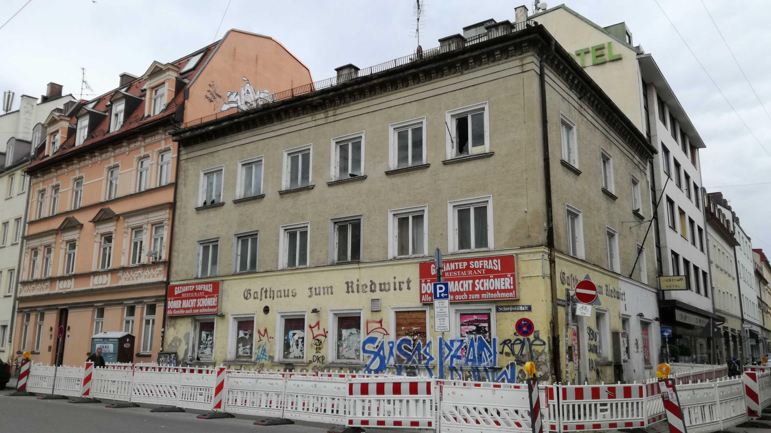 Lokaler Konsum, geschlossen  Johannes Ulrich Gehrke